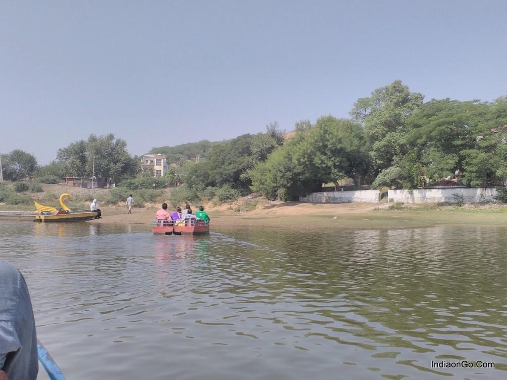 Damdama lake boating