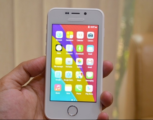 Freedom 251 Looks like iphone