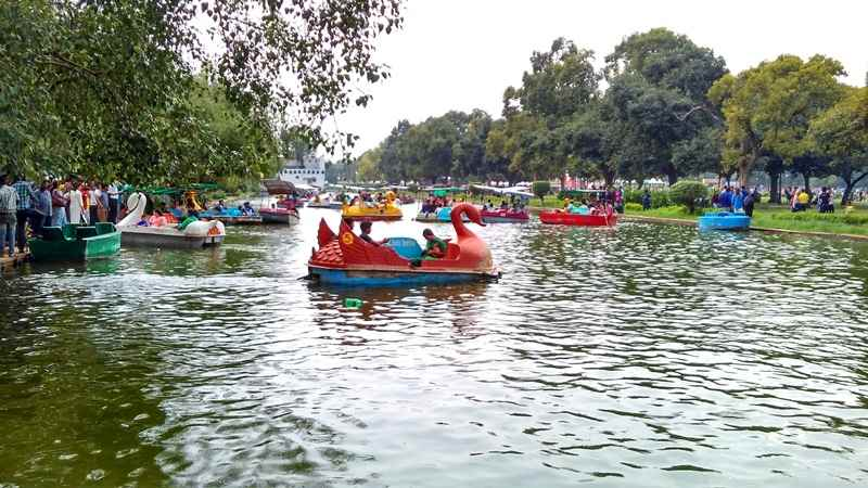 India Gate Boating