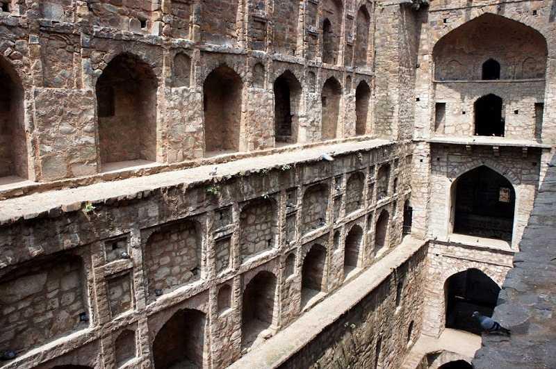 Agrasen Baoli Architecture