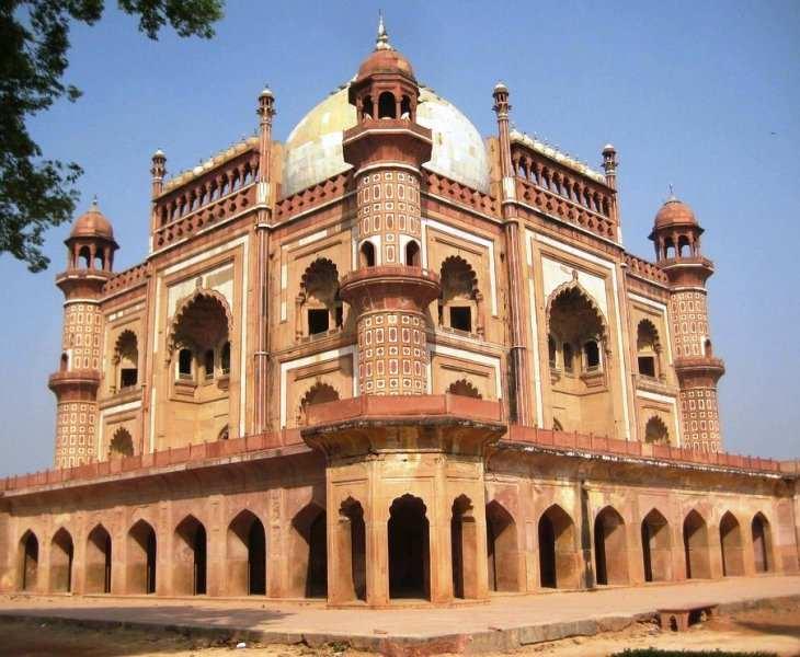 Safdarjung Tomb Side View