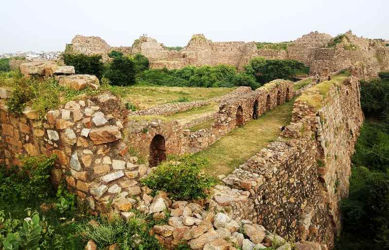 Tughlaqabad Fort is the biggest fort of Delhi