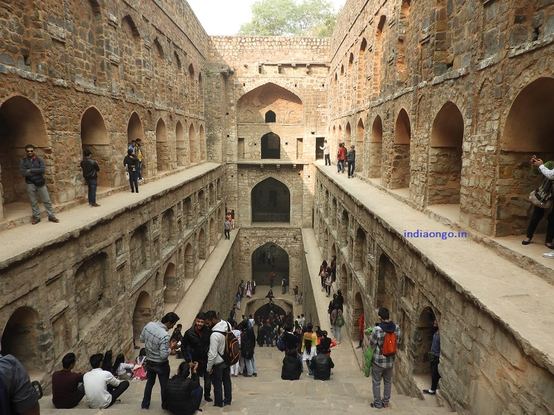 Tourists at Ugrasen Ki Baoli