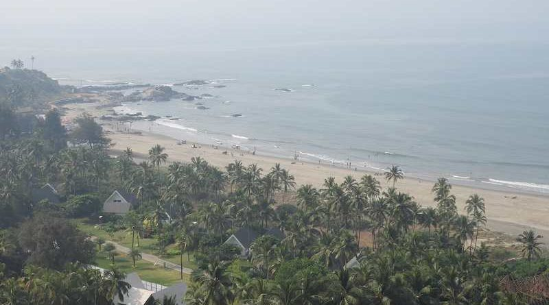 vagator beach view from chopara fort, pic clicked by super zoom camera