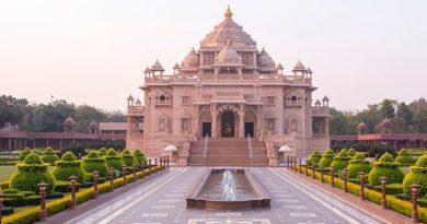 Gandhinagar Swaminarayan Akshardham Temple